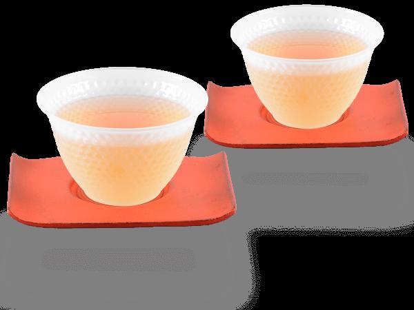 2 Glascups Arare gefrostet je 90ml und 2 Gusseisen-Untersetzer rechteckig in karminrot