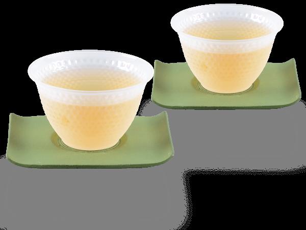 2 Glascups Arare gefrostet je 90ml und 2 Gusseisen-Untersetzer rechteckig in hellgrün